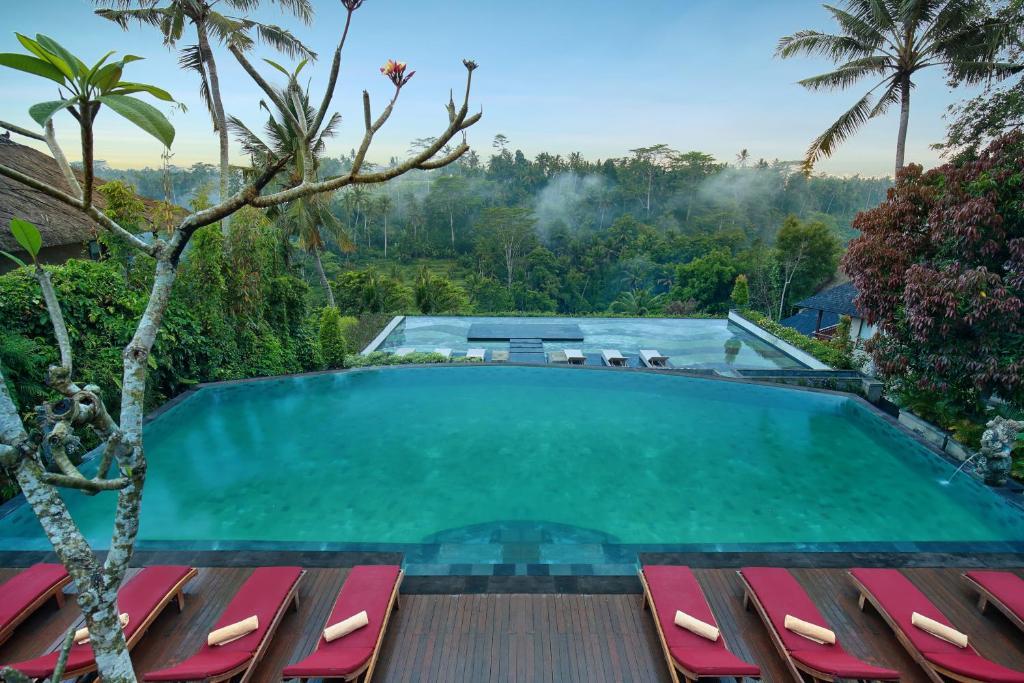 The swimming pool at or near Jannata Resort and Spa