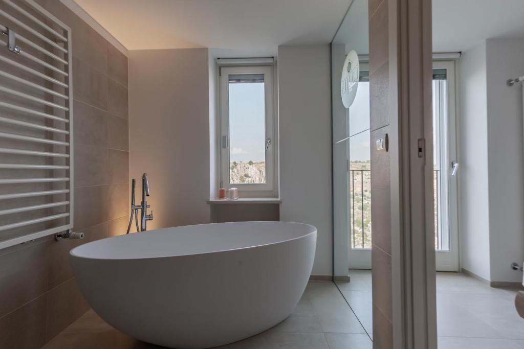 A bathroom at LAMIA MATERA 11