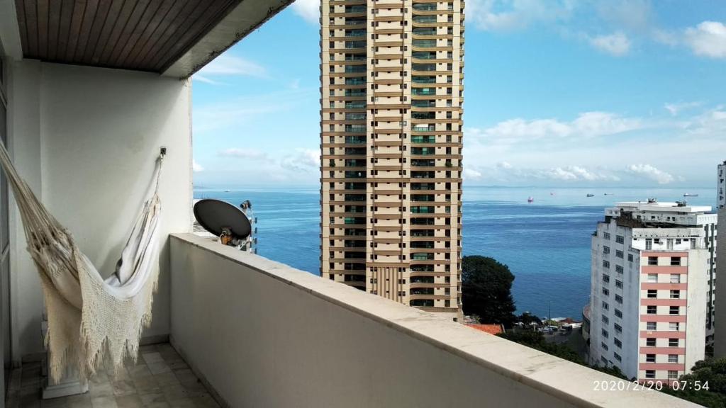 A balcony or terrace at Apartamento 3 quartos Campo Grande Vista Mar