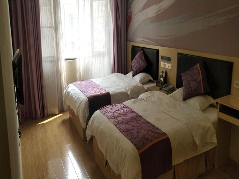 Thank Inn Chain Hotel guizhou south prefecture longli county high-speed railway station