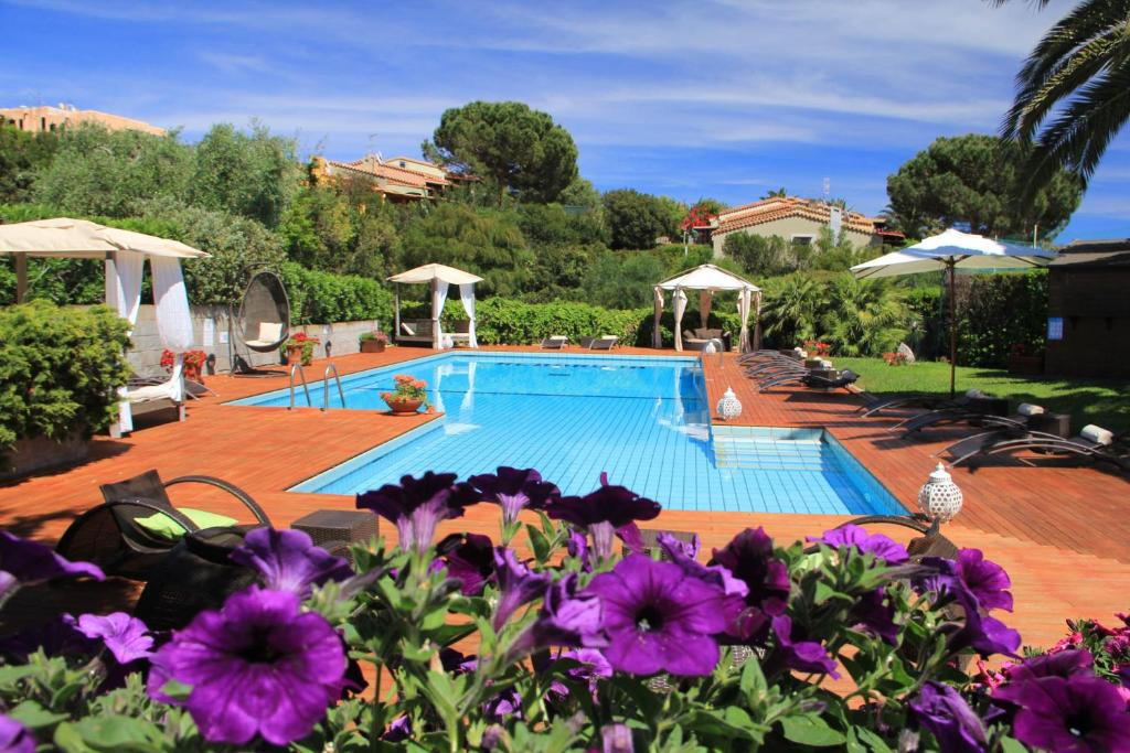 The swimming pool at or near Albaruja Hotel