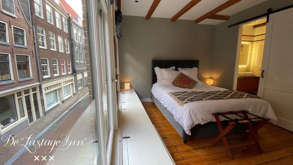 Een bed of bedden in een kamer bij The Lastage Inn - Bed & Breakfast