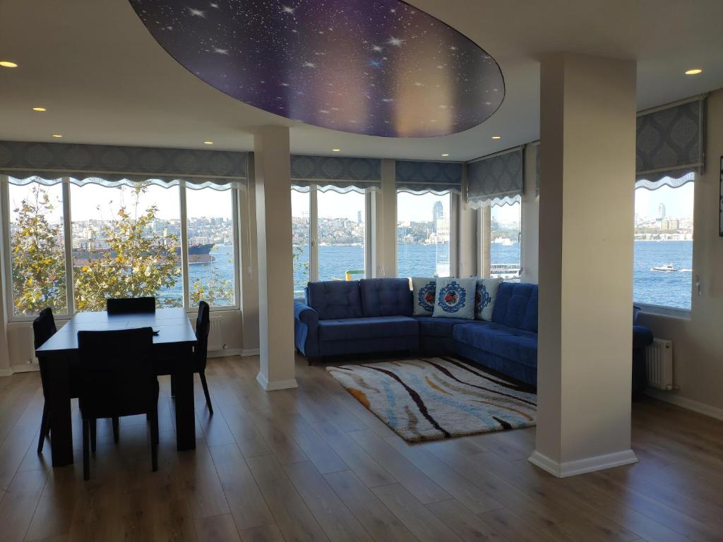 Istanbul Modern Flats with Amazing Sea View