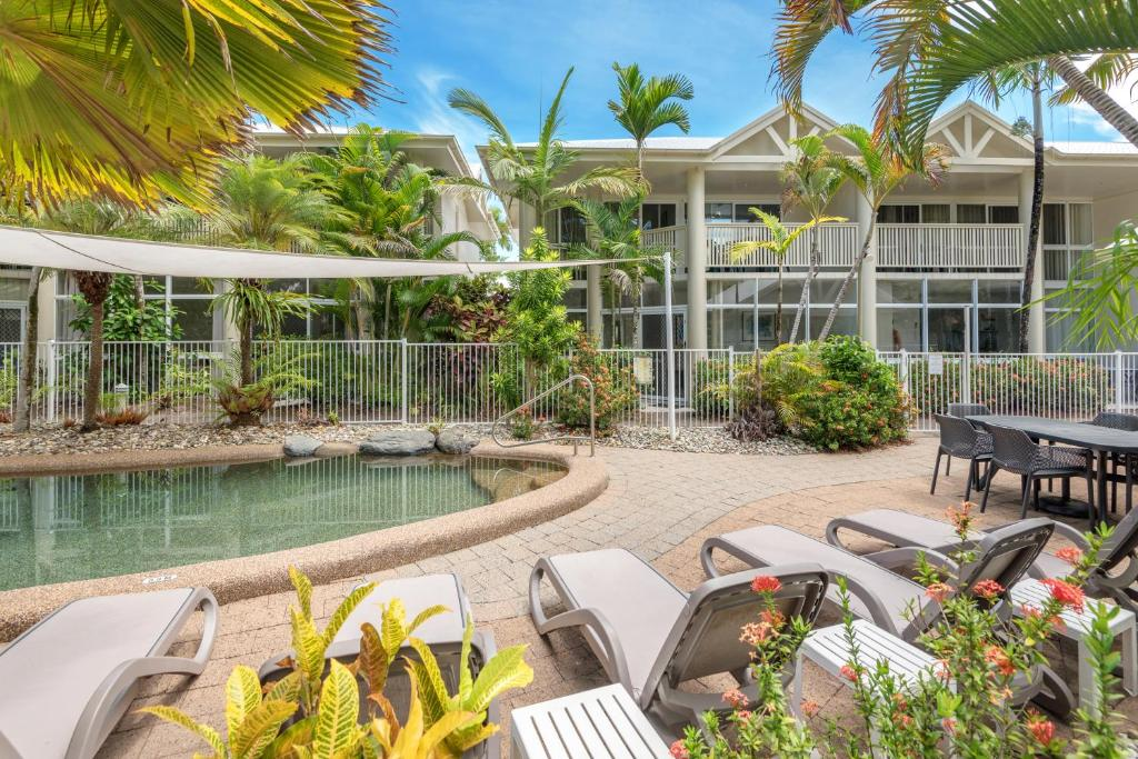 The swimming pool at or near Tropical Nites Holiday Townhouses