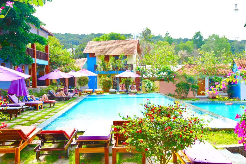 Бассейн в Hillside Village Resort Phu Quoc или поблизости