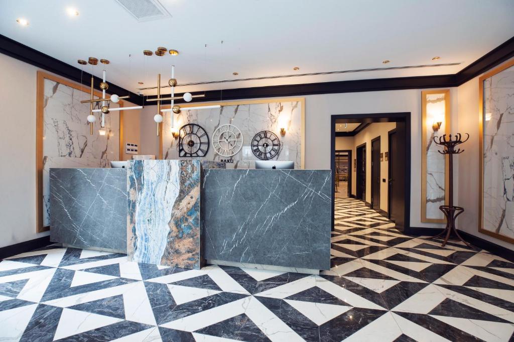 O saguão ou recepção de Port Rivoli Baku Hotel