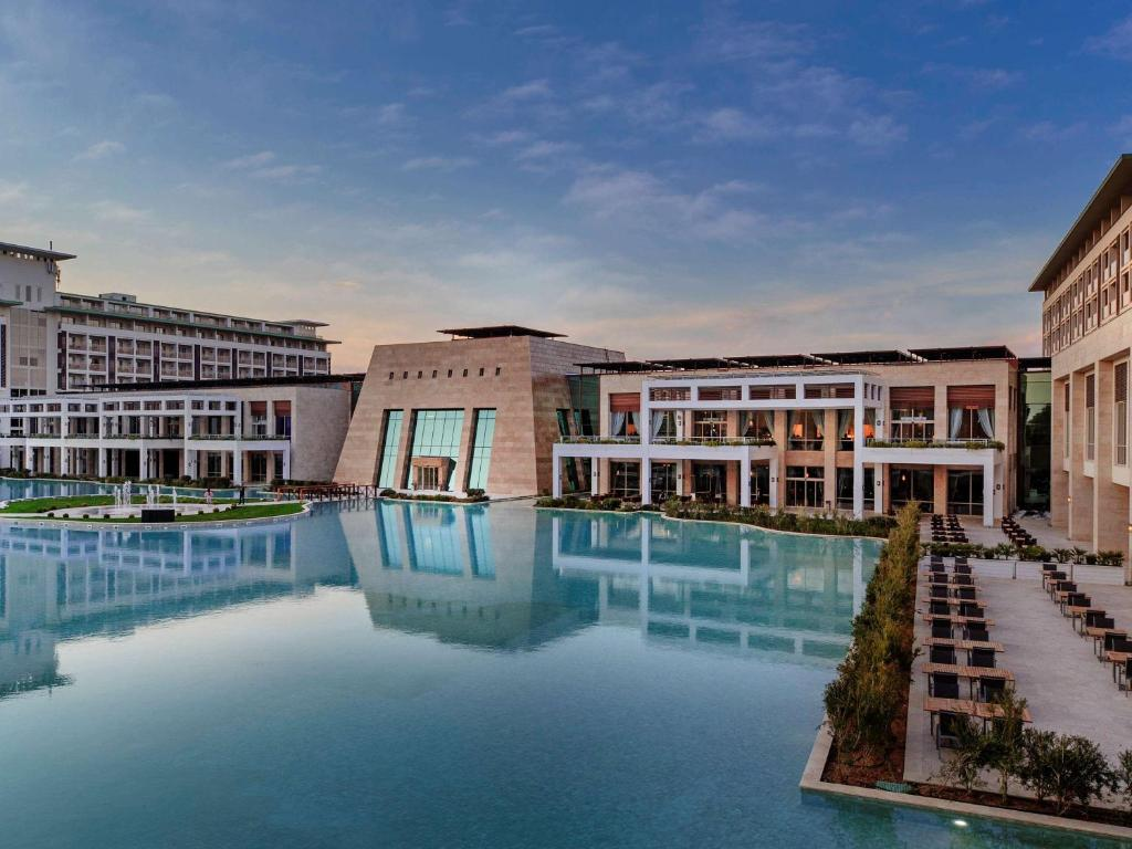 Piscina en o cerca de Rixos Premium Belek - The Land of Legends Access