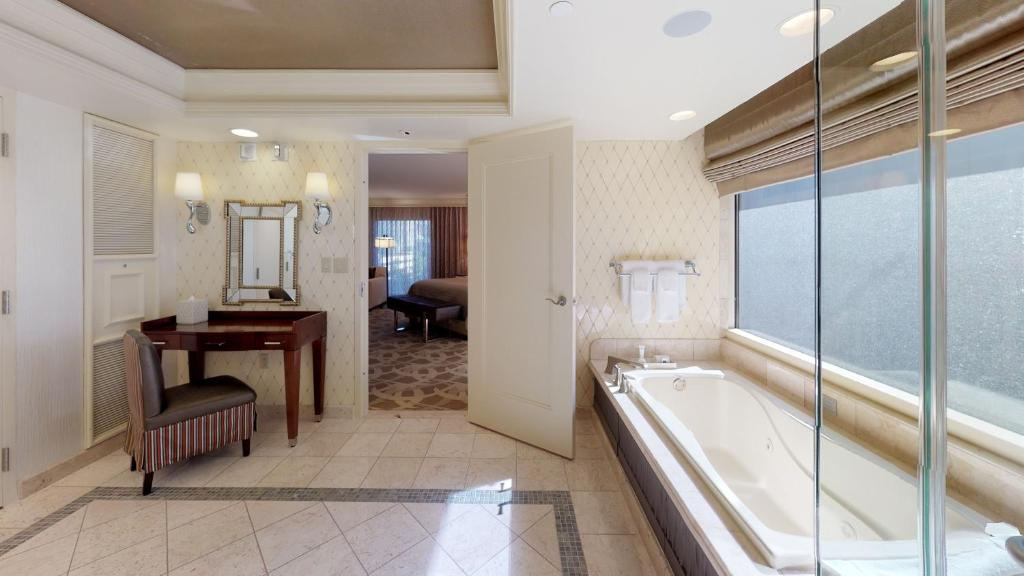 A jacuzzi suite at The Bellagio.