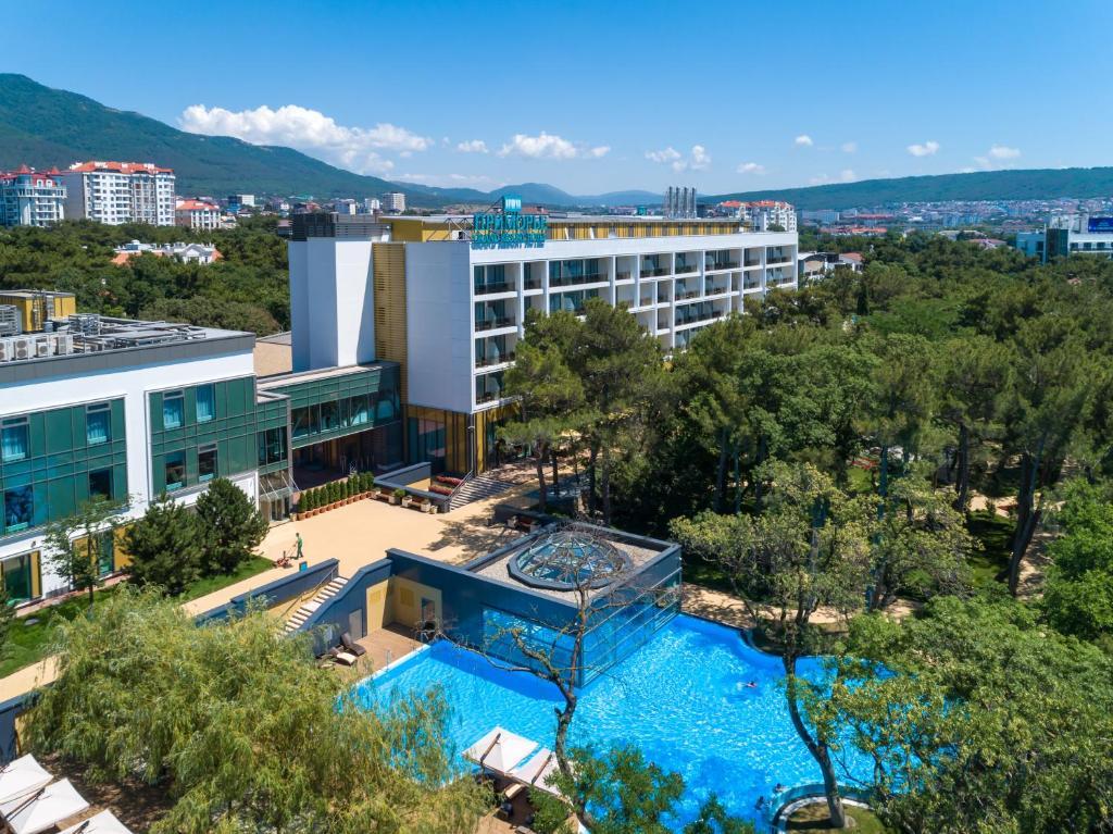 Вид на бассейн в Приморье Grand Resort Hotel 5* или окрестностях