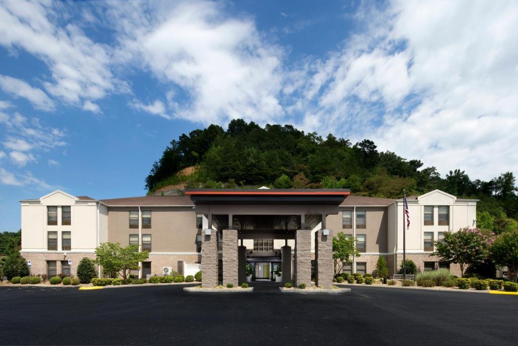 Holiday Inn Express Middlesboro, an IHG Hotel