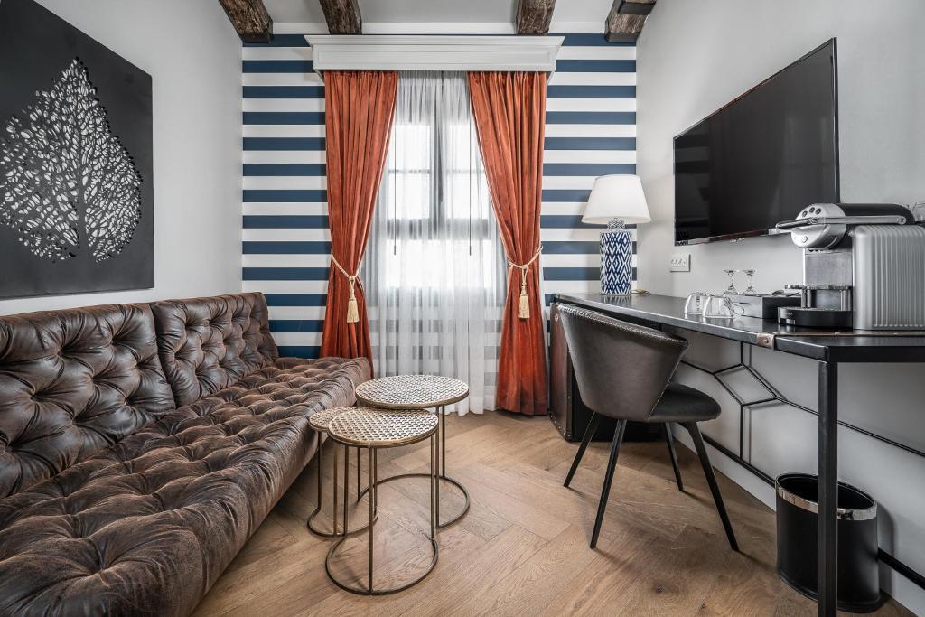 אזור ישיבה ב-מלון זמארין
