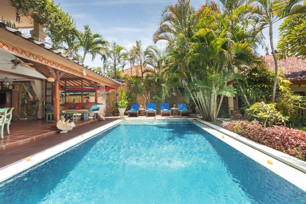 Kolam renang di atau di dekat Villa Kaja by Nagisa Bali