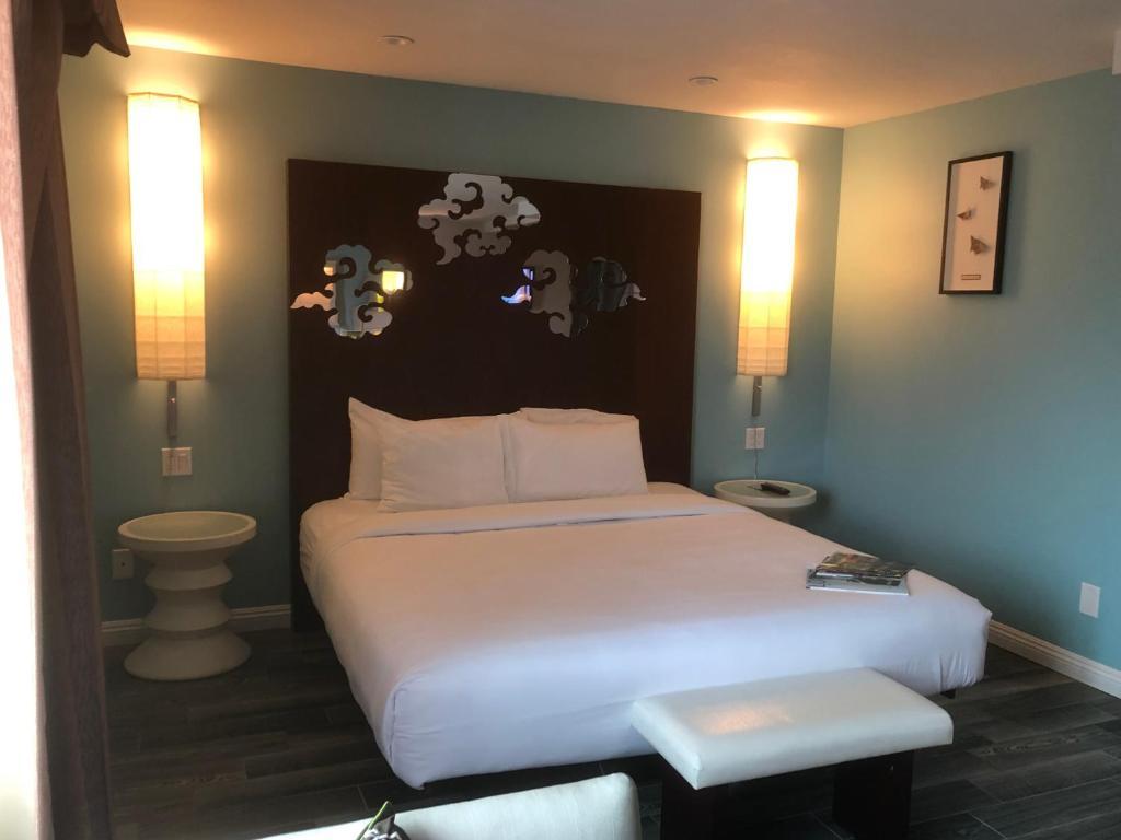 A room at the Wave Hotel Manhattan Beach.