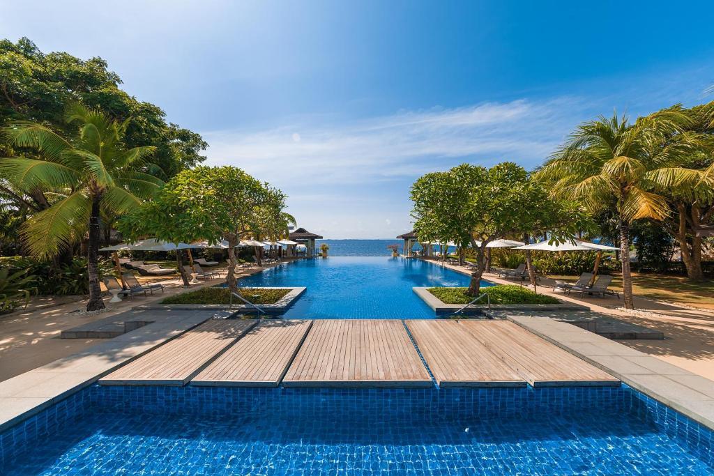 The swimming pool at or near Crimson Resort and Spa - Mactan Island, Cebu