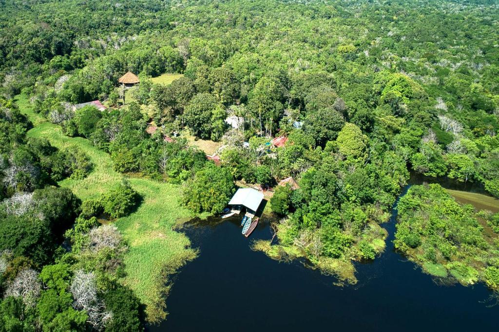 Blick auf Amazonia Jungle Hotel aus der Vogelperspektive