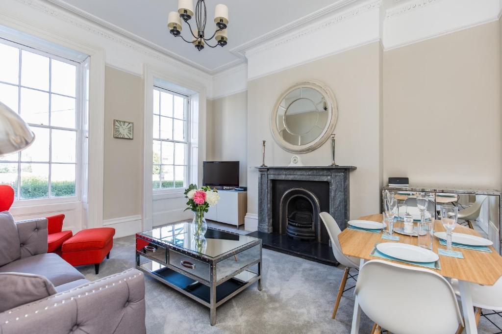 Luxury Apartment - 18 Lansdown Crescent