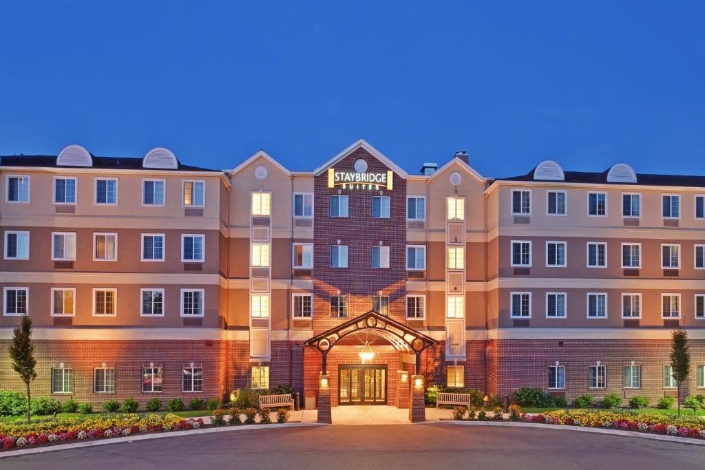 Staybridge Suites ROCHESTER UNIVERSITY - Laterooms