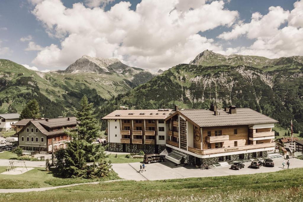 Hotel Goldener Berg Lech am Arlberg, Austria