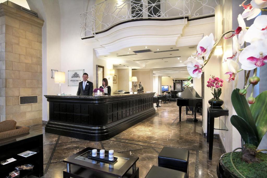 イル プリンチペ ホテル カタニアのロビーまたはフロント
