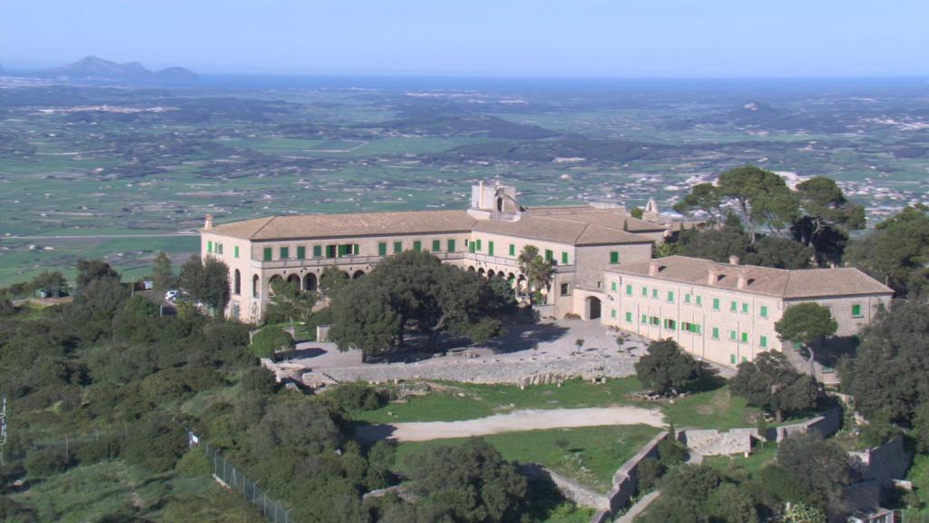 A bird's-eye view of Santuari de Cura