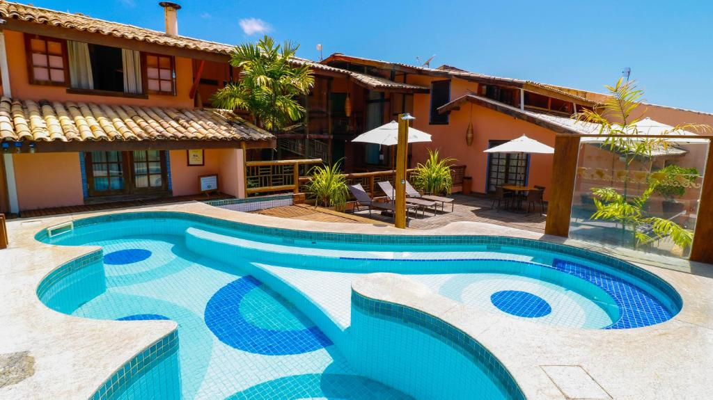 The swimming pool at or close to Sobrado da Vila Hotel