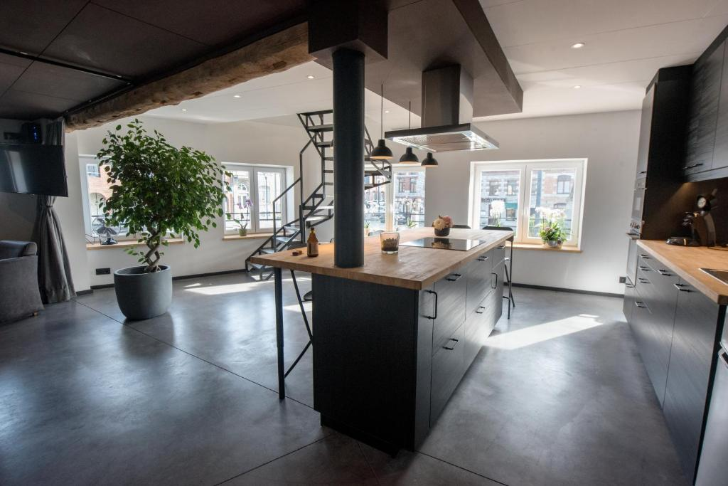 The lobby or reception area at Froissart Loft