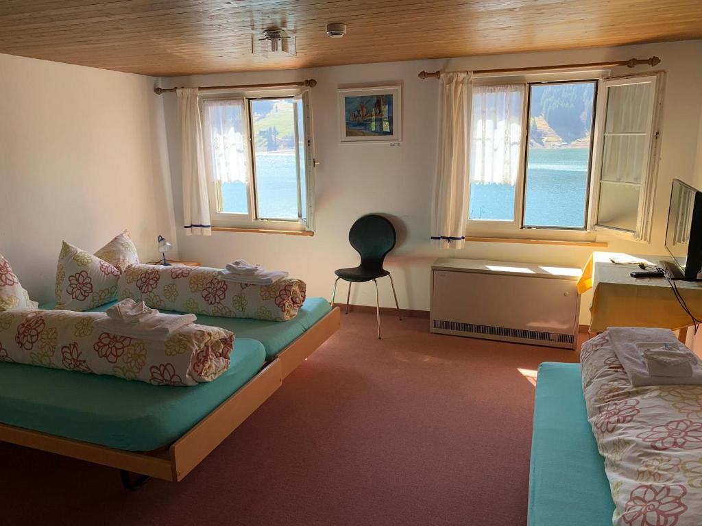 Ein Sitzbereich in der Unterkunft Fischers Lodge