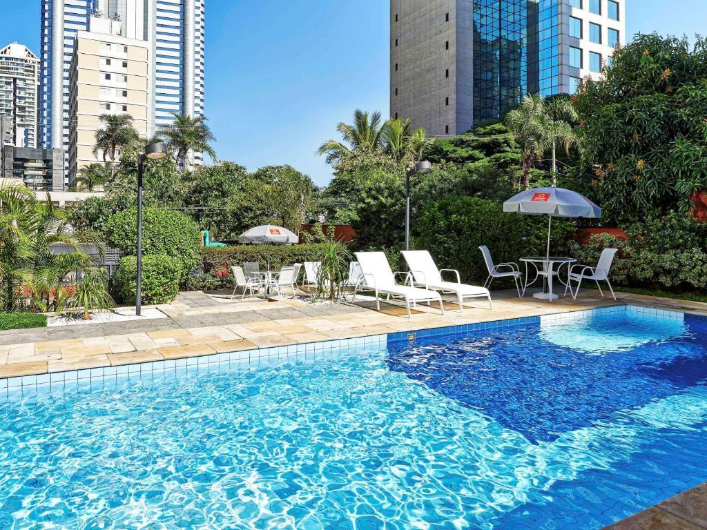 The swimming pool at or near Aparthotel Adagio Sao Paulo Berrini
