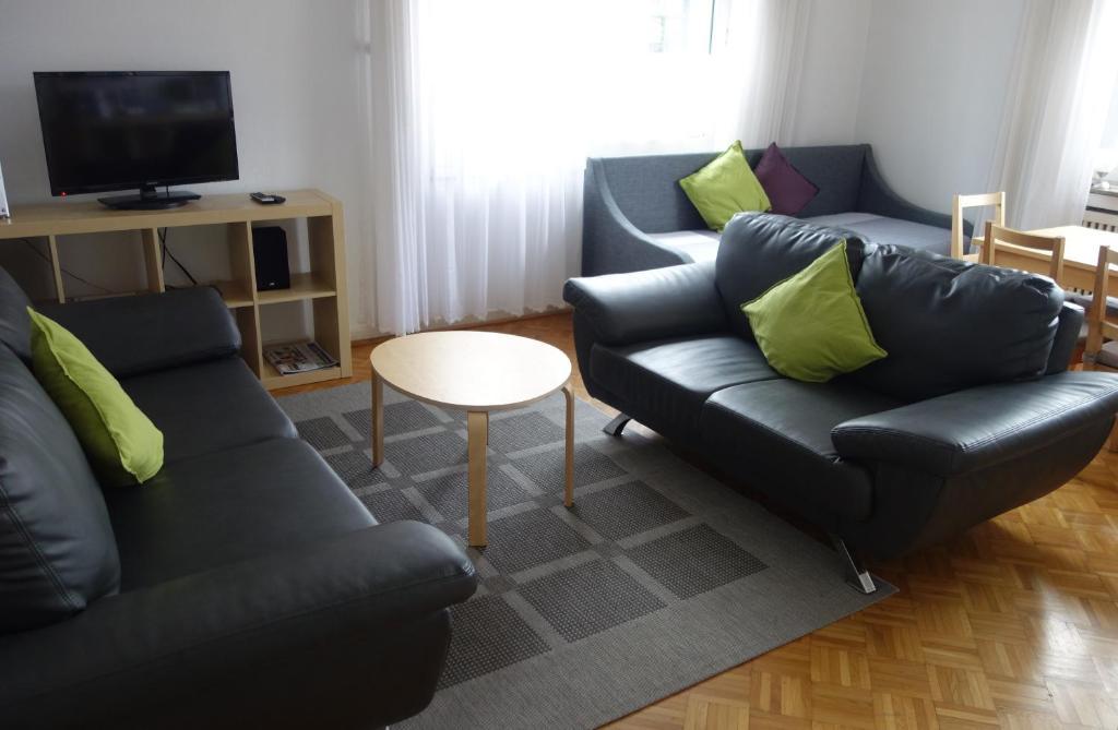 A seating area at Ferienwohnungen Viersen
