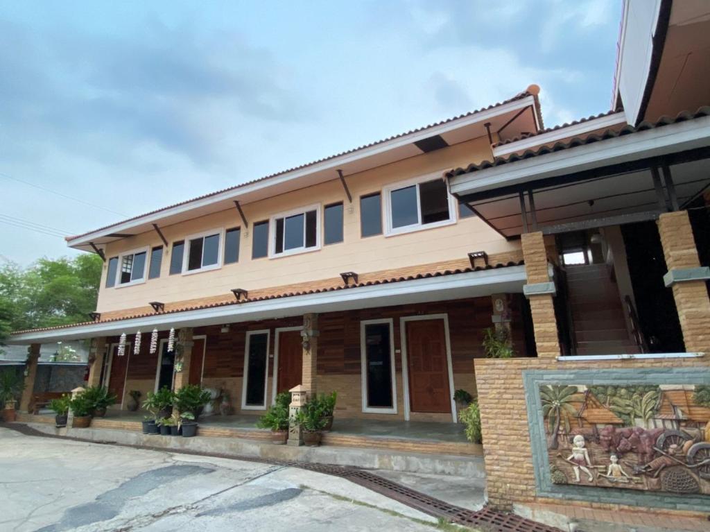 โรงแรมภูน้ำฟ้า - Phunumfha Hotel ชุมแพ