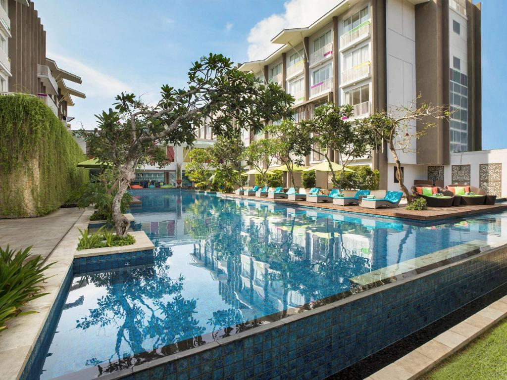 The swimming pool at or close to Ibis Styles Bali Benoa