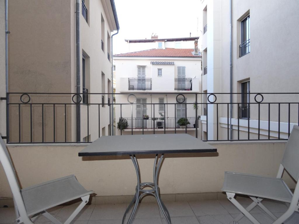 Een balkon of terras bij Le Vieux Port Apartments