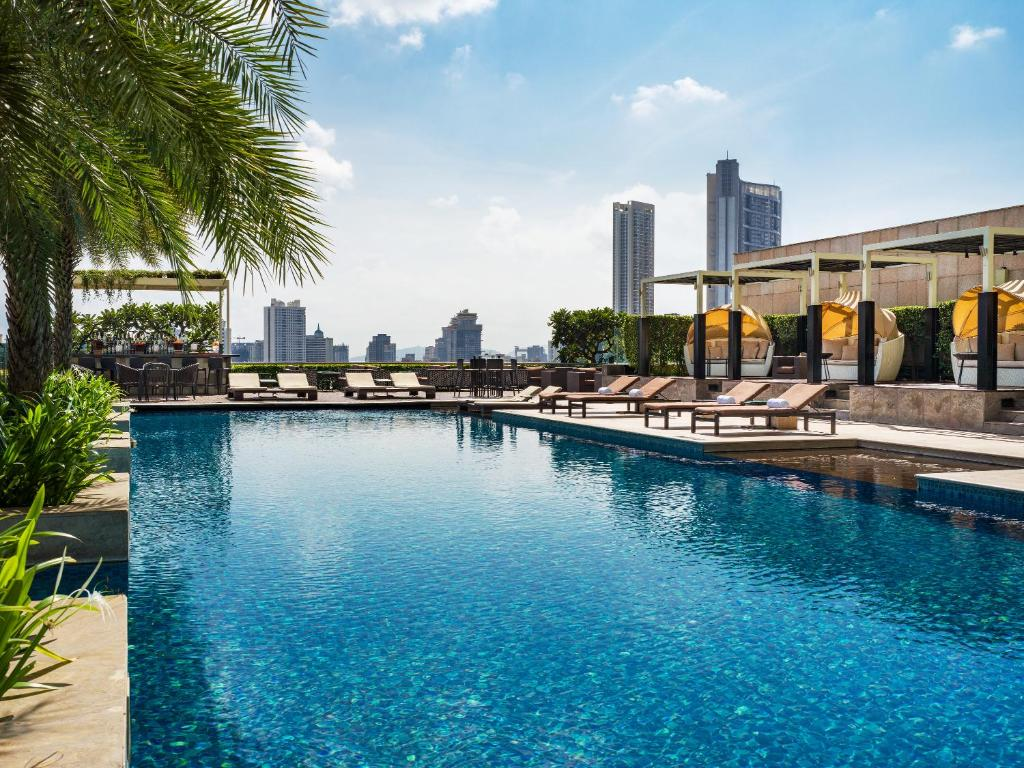 A rooftop swimming pool at The St. Regis Mumbai.