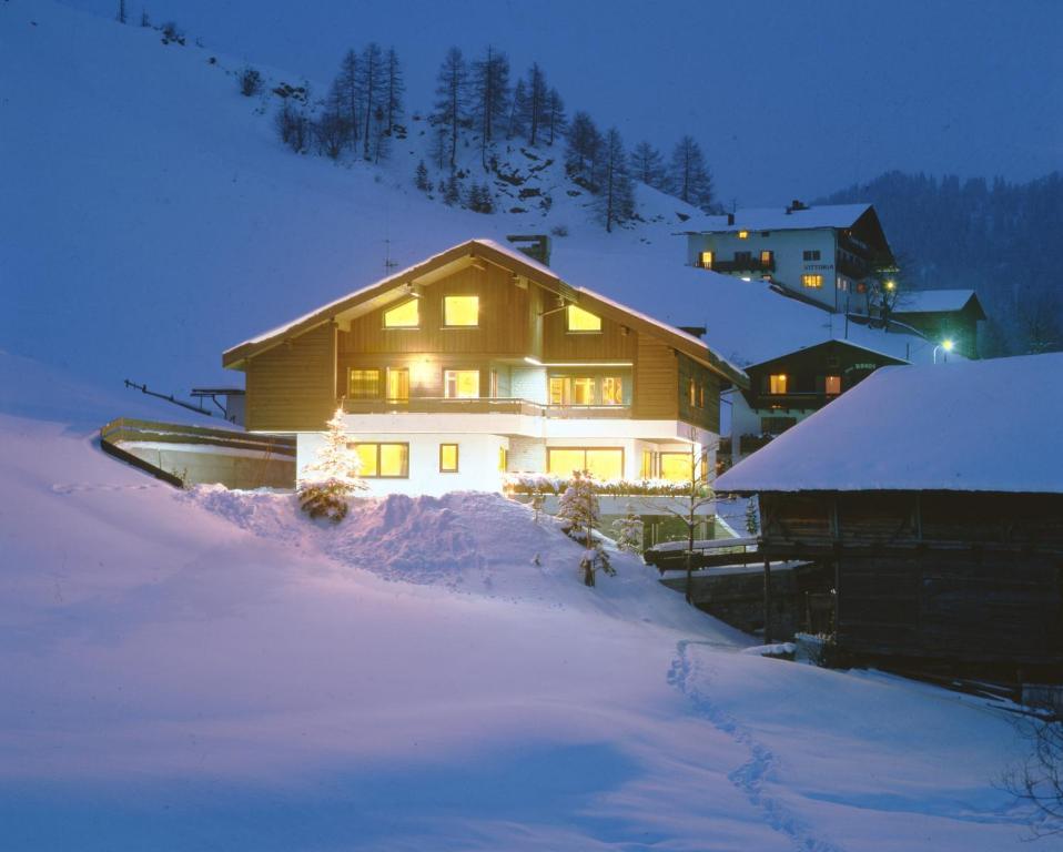 Apartments Residence Alta Badia durante l'inverno