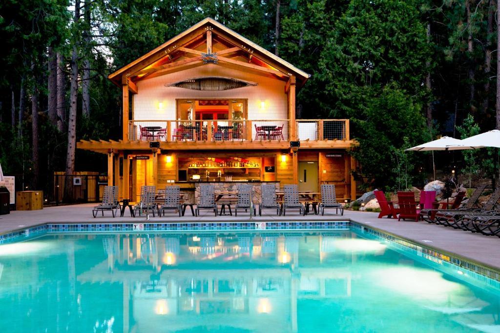 The swimming pool at or near Evergreen Lodge at Yosemite