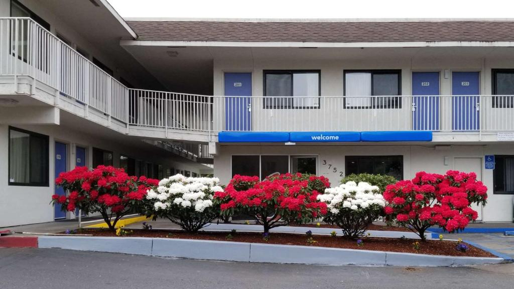 Motel 6-Springfield, OR - Eugene North