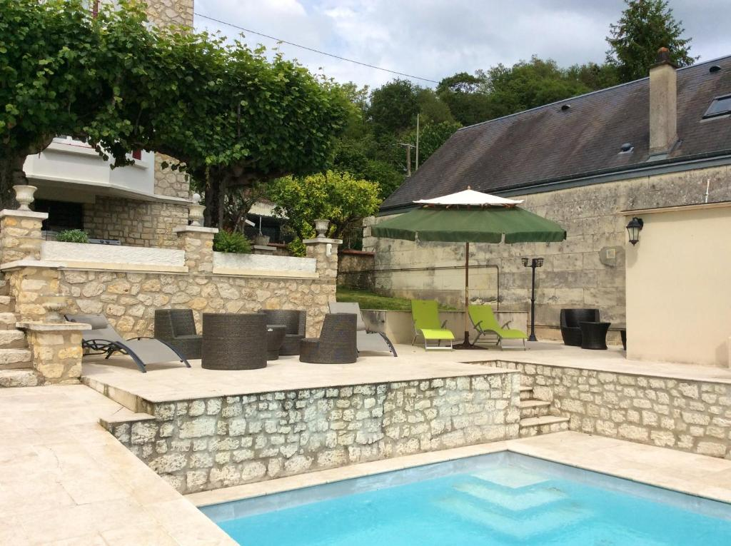 The swimming pool at or near Villa with 5 bedrooms in Bourre with private pool enclosed garden and WiFi 4 km from the beach