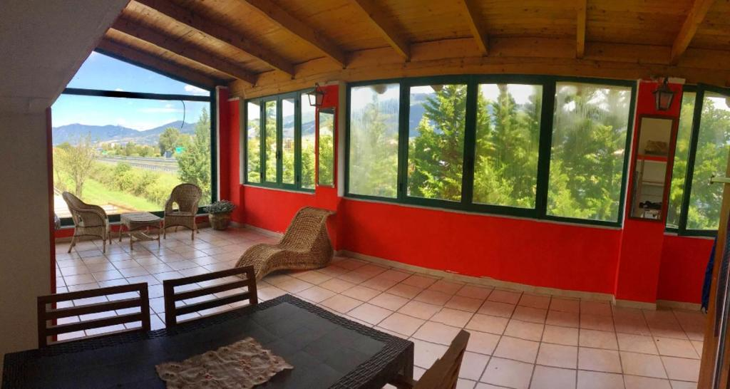 House with 3 bedrooms in Padula with wonderful mountain view furnished garden and WiFi 35 km from the beach
