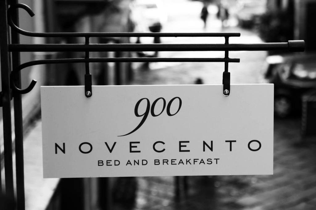 900 Bed and Breakfast