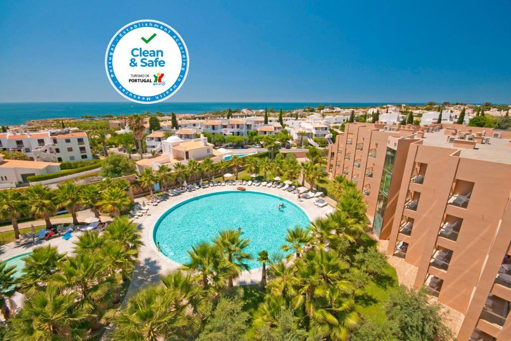 Vue sur la piscine de l'établissement Sao Rafael Suites - All Inclusive ou sur une piscine à proximité