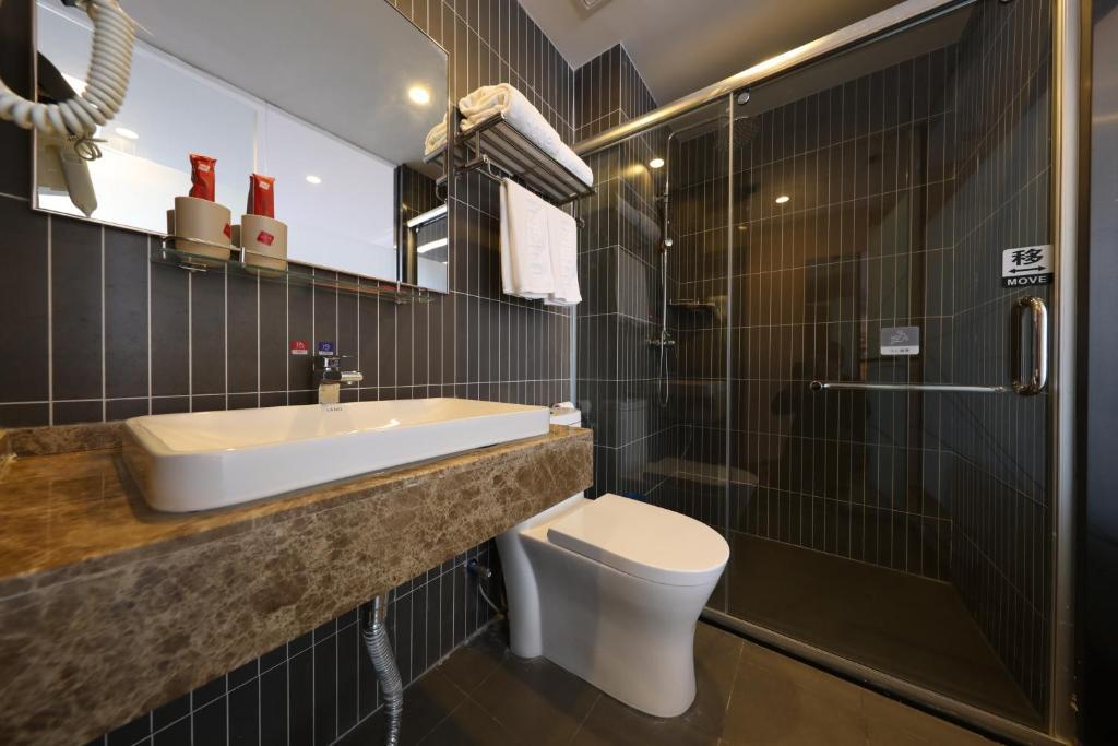Thank Inn Plus Hotel Qingdao Jiaozhou Jiaoping Road high-speed intersection