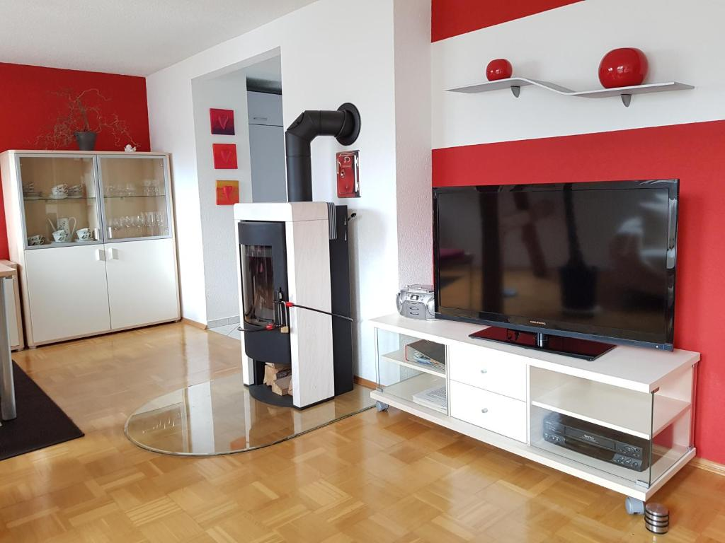 A television and/or entertainment centre at Familie Kadner