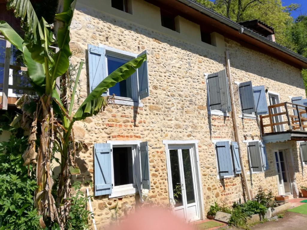 Maison de 2 chambres a Gan avec magnifique vue sur la montagne jardin amenage et WiFi a 45 km des pistes