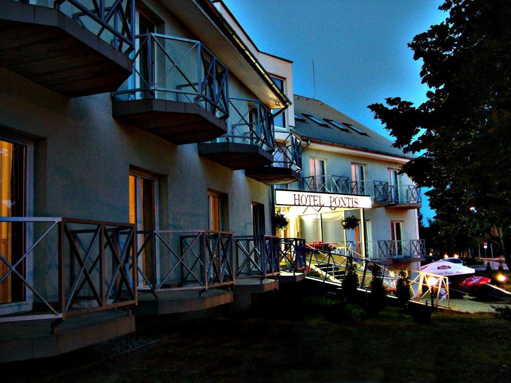 Hotel Pontis Biatorbagy, Hungary