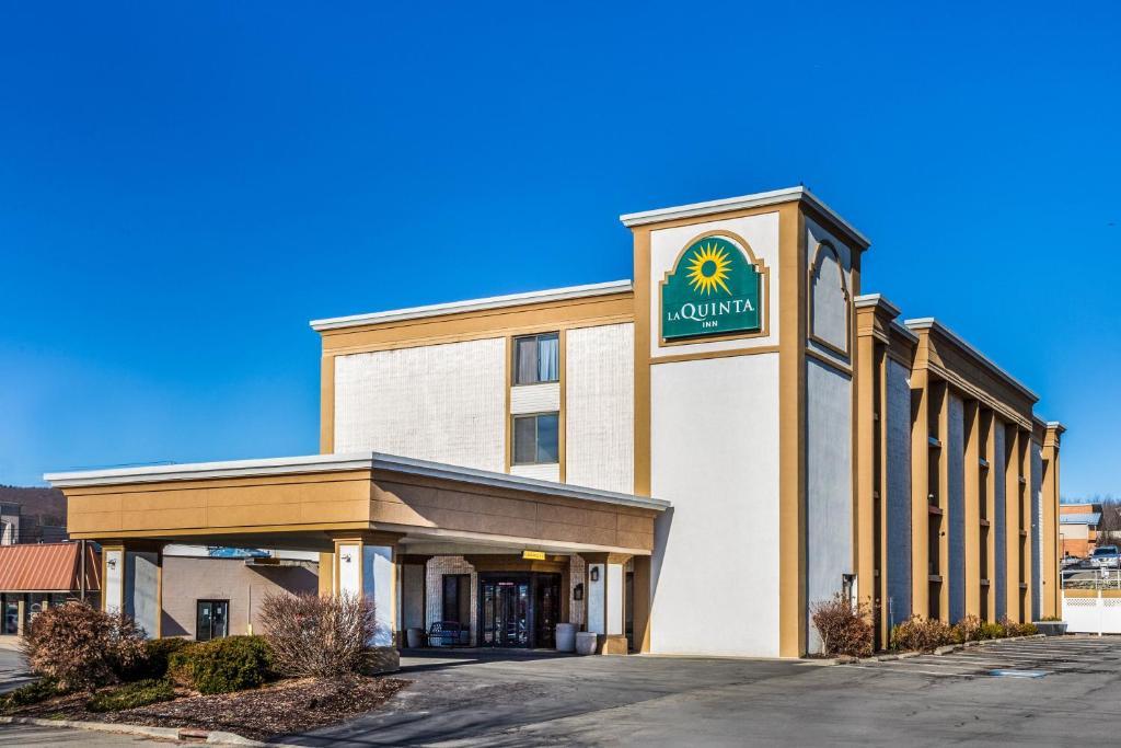 The La Quinta Inn by Wyndham Binghamton - Johnson City.