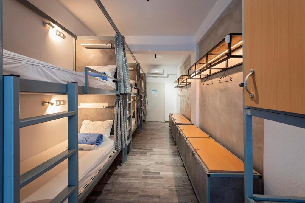Μία ή περισσότερες κουκέτες σε δωμάτιο στο Bedbox Hostel