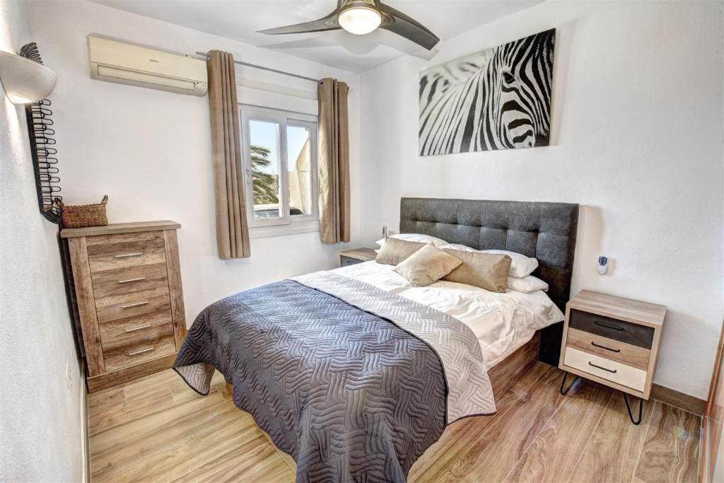 Benal Beach Luxury Sea Mountain View Beachside 1 Bedroom Apartment Benalmadena Updated 2021 Prices