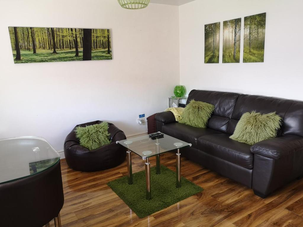 A seating area at Vale View Apartment, Prestatyn