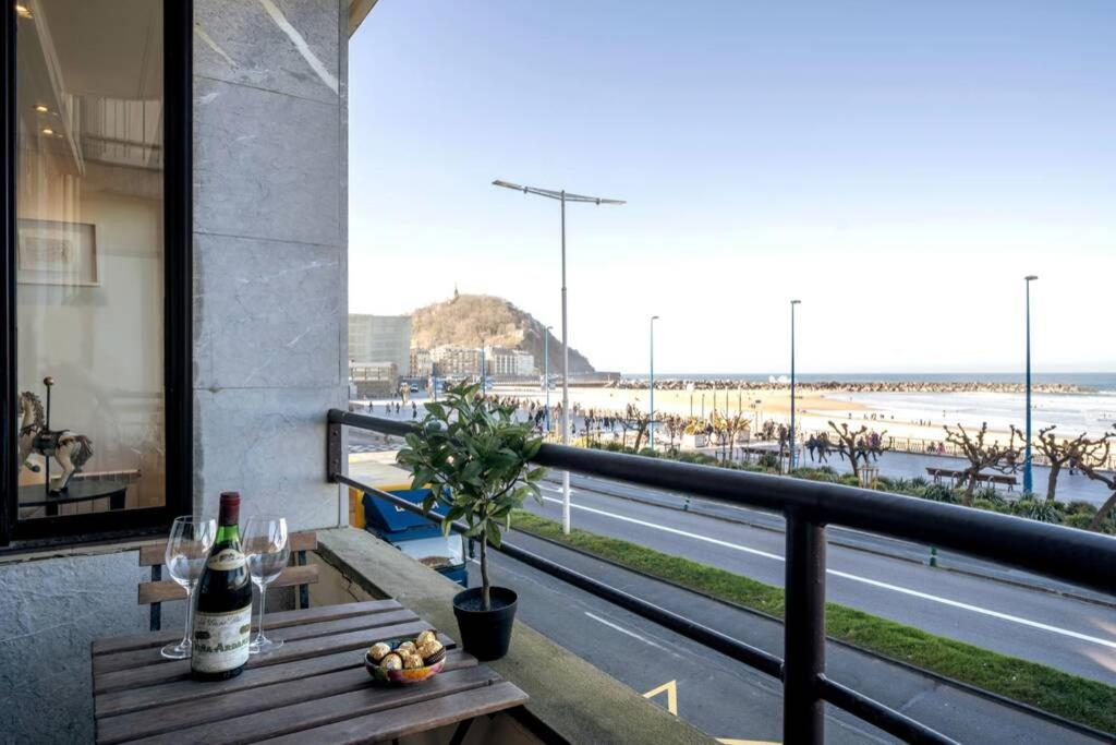 San Sebastián Zurriola beachfront luxury apartment