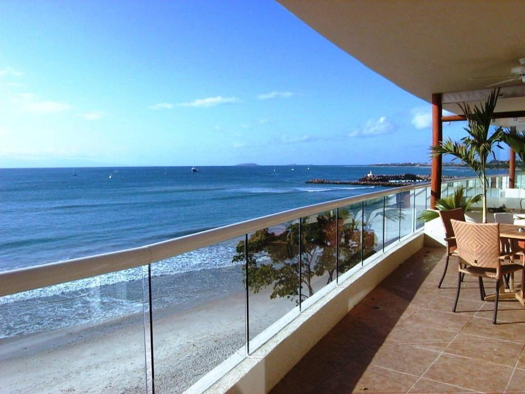 Absolute Beachfront Luxury Condo with great views